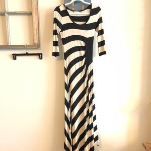 Calvin Klein size 4 maxi dress